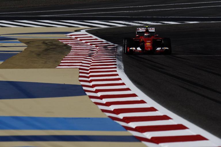 Κυριαρχία Ferrari στα πρώτα δοκιμαστικά, επικεφαλής η Mercedes στα δεύτερα | tanea.gr