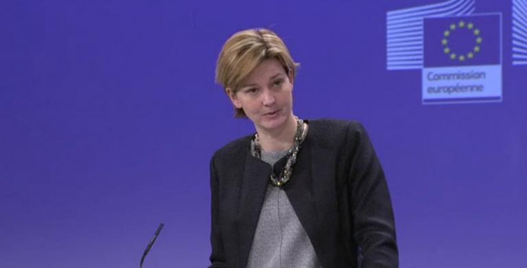 Κομισιόν: «Οποιος συμμετέχει στις διαπραγματεύσεις να έχει και την εξουσιοδότηση να το κάνει»   tanea.gr