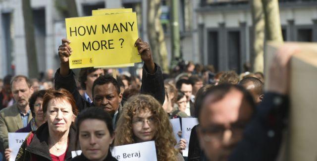 «Ανεπαρκείς» χαρακτηρίζει το Παρίσι τις αποφάσεις της Συνόδου Κορυφής για το μεταναστευτικό   tanea.gr