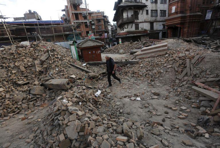 Προβληματισμένοι οι σεισμολόγοι από τον σεισμό στο Νεπάλ - στο Κατμαντού ο Λέκκας   tanea.gr