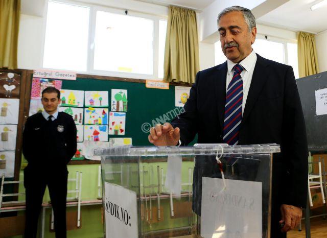 Ανατροπή στα κατεχόμενα με σαρωτική νίκη του Μουσταφά Ακιντζί | tanea.gr