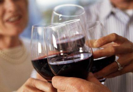 Το σχήμα του ποτηριού επηρεάζει τη γεύση του κρασιού   tanea.gr