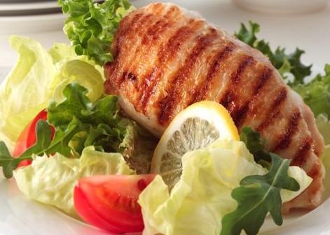 Ποια τρόφιμα μας προστατεύουν από τα «κιλά της ηλικίας»   tanea.gr