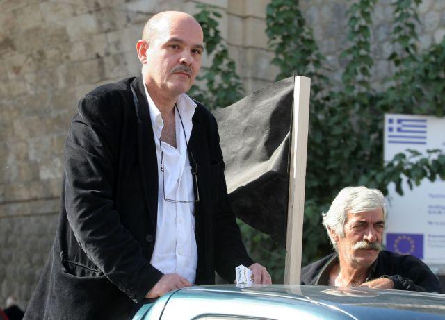«To AIDS δεν μεταδίδεται με σάλιο» υπενθυμίζουν οι οργανώσεις στον… γιατρό Μιχελογιαννάκη | tanea.gr