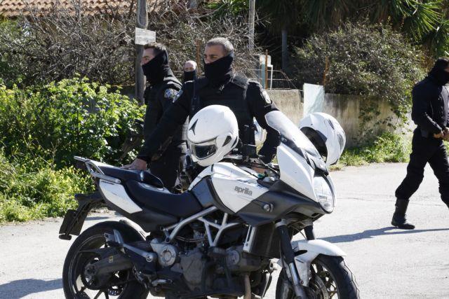 Συνελήφθη 24χρονος για προμήθεια όπλων στους Πυρήνες της Φωτιάς | tanea.gr