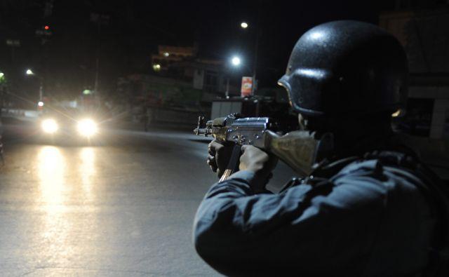 Επίθεση Ταλιμπάν σε ξενώνα στην Καμπούλ   tanea.gr