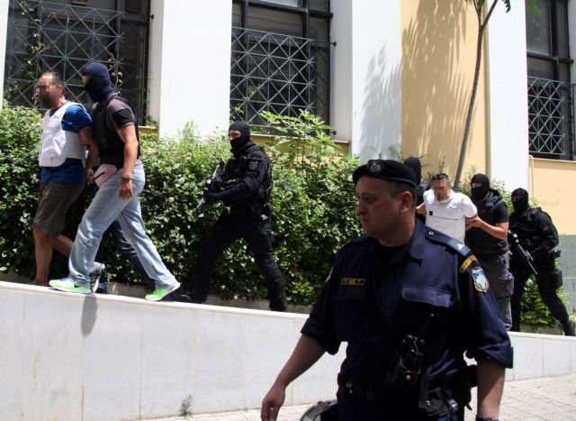 Προφυλακίστηκαν μετά τις απολογίες τους οι «ληστές του Διστόμου» | tanea.gr