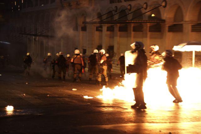 Πειθαρχική έρευνα από τη ΓΑΔΑ για τη στάση αστυνομικών στα επεισόδια της Τετάρτης | tanea.gr