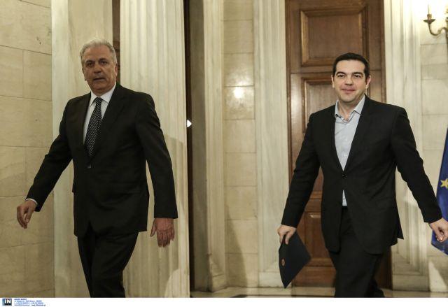 Αβραμόπουλος σε Τσίπρα: «Εισπράξτε τα κονδύλια της EE για τους μετανάστες» | tanea.gr
