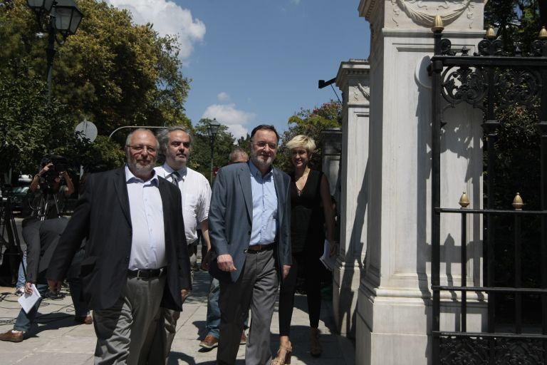 Στον Λαφαζάνη η διερευνητική εντολή: «Να μην συναινέσει ο Πρόεδρος της Δημοκρατίας σε εκλογές – εξπρές» | tanea.gr