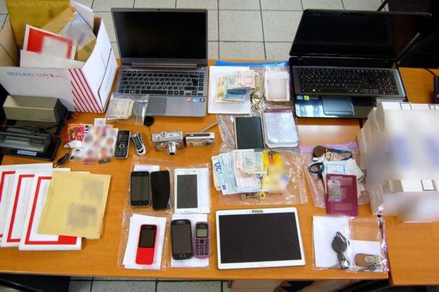 Εξαρθρώθηκε κύκλωμα που πλαστογραφούσε διαβατήρια και βίζες | tanea.gr