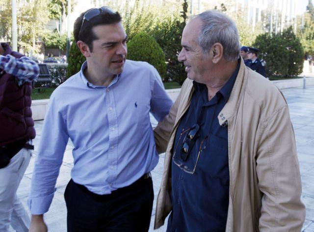 ΣΥΡΙΖΑ: Παραιτήθηκε από την ΚΕ ο Στ.Παναγούλης αλλά στηρίζει την κυβέρνηση | tanea.gr