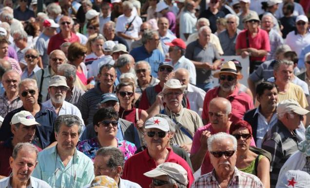 Νέο Ασφαλιστικό: Στο κουρείο παλαιοί και νέοι συνταξιούχοι   tanea.gr