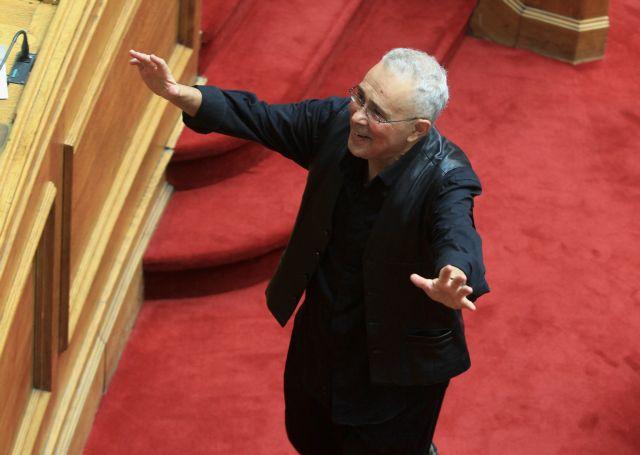 Ζουράρις: «Εμάς τους Αριστερούς συμφέρει να βγει ο Αδωνις για να πατώσει η ΝΔ» | tanea.gr