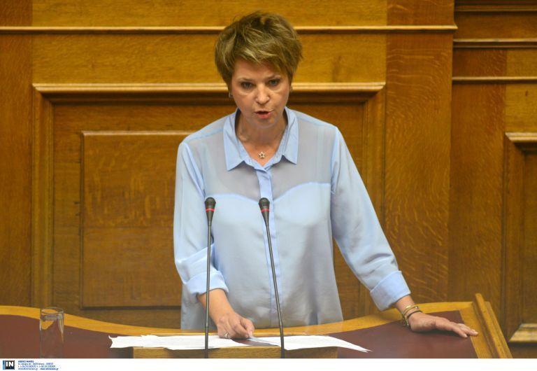 «Η Δημοκρατία δεν τρομοκρατείται από τους εχθρούς της», είπε η Γεροβασίλη για τη ΧΑ | tanea.gr