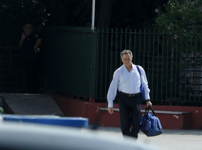 Σε ειδικό ανακριτή απολογήθηκε ο Παπαγεωργόπουλος που αφέθηκε ελεύθερος άνευ όρων   tanea.gr