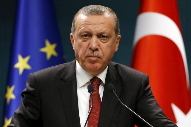 Τουρκία: Δίωξη κατά δύο αγοριών που έσκισαν αφίσα του Ερντογάν | tanea.gr