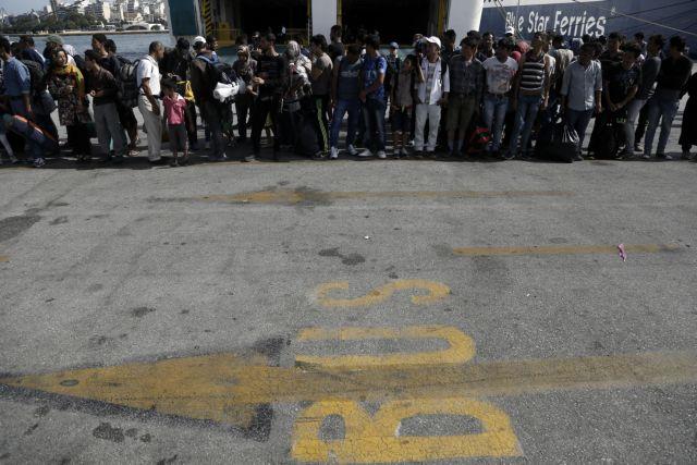 Πάνω από 2.500 πρόσφυγες αποβιβάστηκαν και σήμερα το πρωί στο λιμάνι του Πειραιά | tanea.gr