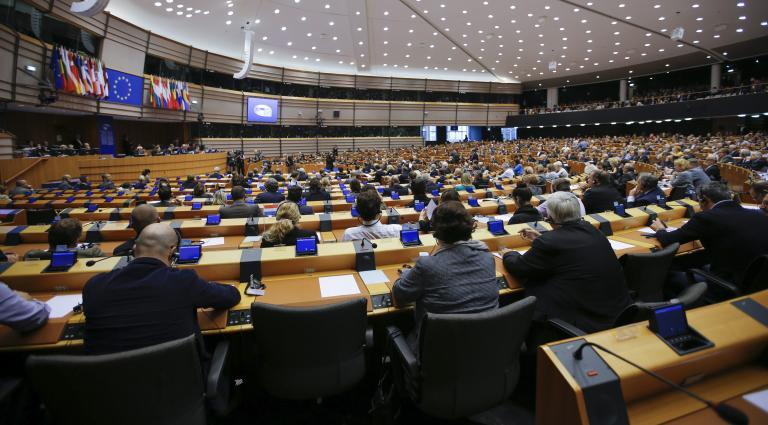 «Ναι» της Ευρωβουλής σε χρηματοδότηση της Ελλάδας με €35 δισ. για επενδύσεις | tanea.gr