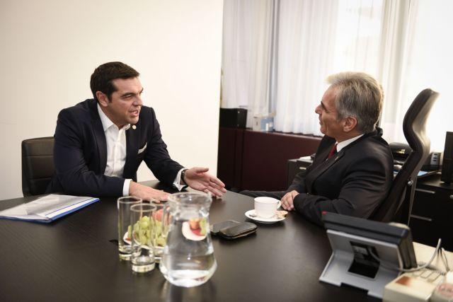 Το μεταναστευτικό στο επίκεντρο της επίσκεψης του αυστριακού καγκελάριου στην Ελλάδα | tanea.gr