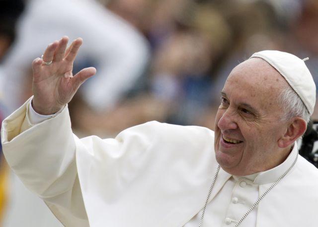 Ο πάπας Φραγκίσκος ενθαρρύνει τον αγώνα του «Ταρζάν» για τους άστεγους | tanea.gr