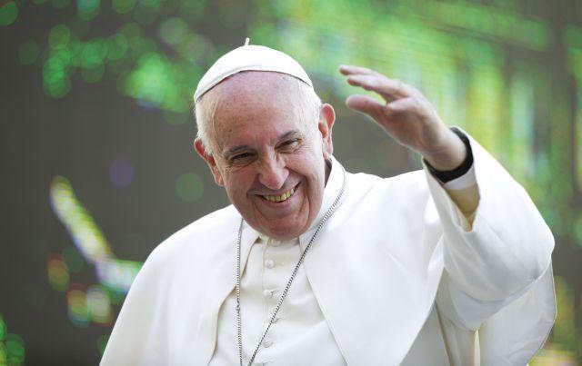 Συνάντηση Πάπα με ζευγάρι ομοφυλοφίλων στις ΗΠΑ | tanea.gr