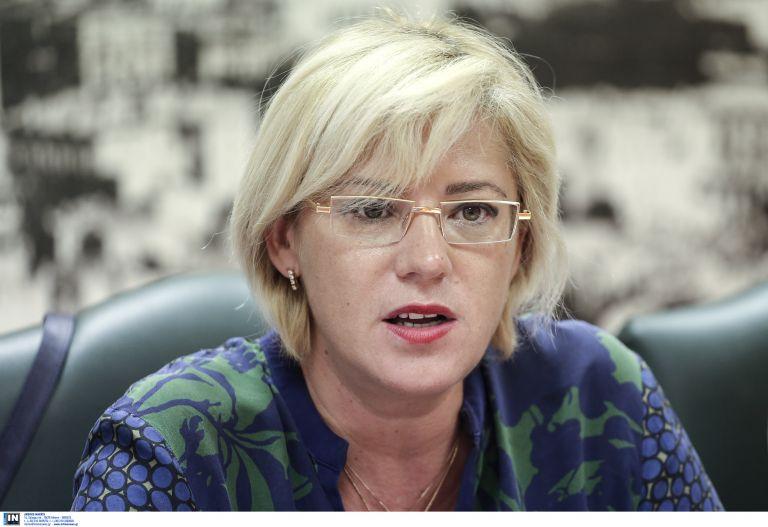 Στην Κρήτη η Επίτροπος για θέματα Περιφερειακής Πολιτικής Κορίνα Κρέτσου | tanea.gr