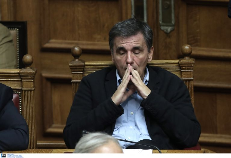 Για την ελάφρυνση του χρέους μίλησαν Λιού και Τσακαλώτος   tanea.gr