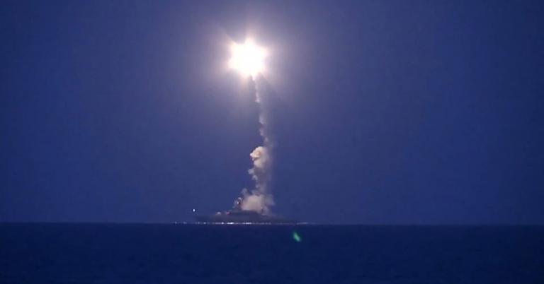 «Στάχτη» το 40% των υποδομών του ΙΚ στη Συρία από τους ρωσικούς πυραύλους | tanea.gr