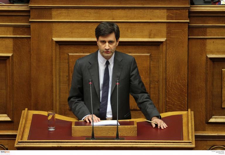 Ηπιότερη προβλέπει την ύφεση για το 2015 ο Γιώργος Χουλιαράκης | tanea.gr