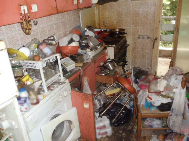 Θεσσαλονίκη: Είχε μετατρέψει το σπίτι του σε σκουπιδότοπο | tanea.gr