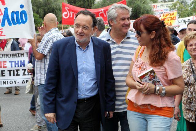 [Μικροπολιτικός] Παγωμάρα στις συναντήσεις των πρώην συντρόφων | tanea.gr
