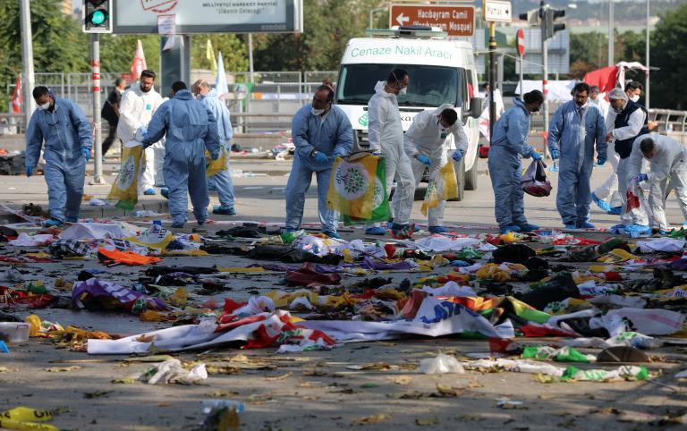Δύο άνδρες καμικάζι οι δράστες της διπλής επίθεσης στην Αγκυρα - στους 97 οι νεκροί | tanea.gr