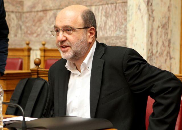 Τρύφων Αλεξιάδης: «Με σταθερά φορολογικά μέτρα η αντικατάσταση του ΦΠΑ στην εκπαίδευση» | tanea.gr
