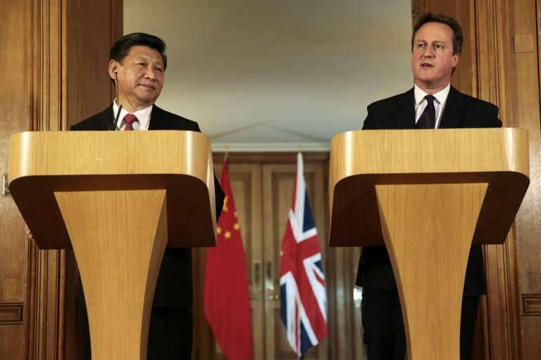 Συμφωνία ορόσημο ύψους πολλών δισεκατομμυρίων δολαρίων υπέγραψε ο πρόεδρος της Κίνας στο Λονδίνο   tanea.gr