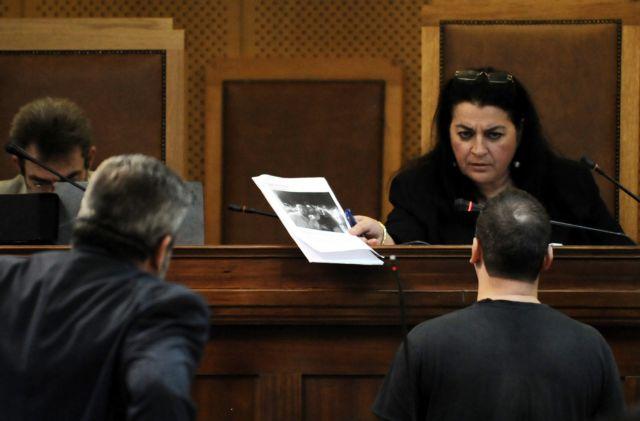 Να διωχθεί για ψευδορκία μάρτυρας στη δίκη της ΧΑ, ζήτησε ο συνήγορος του Παππά   tanea.gr