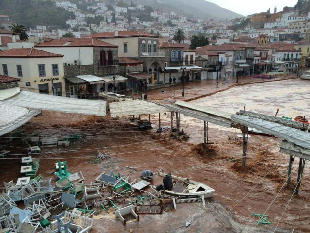 Πνίγηκε η Υδρα από την καταρρακτώδη βροχή   tanea.gr