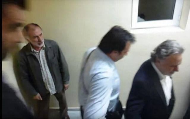 [Μικροπολιτικός] Στο σπίτι του κρεμασμένου | tanea.gr