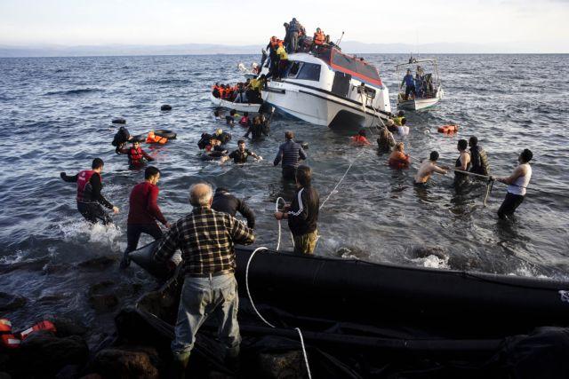 Συμπαράσταση αλλά και ανησυχία για τους πρόσφυγες εκφράζουν οι Έλληνες   tanea.gr