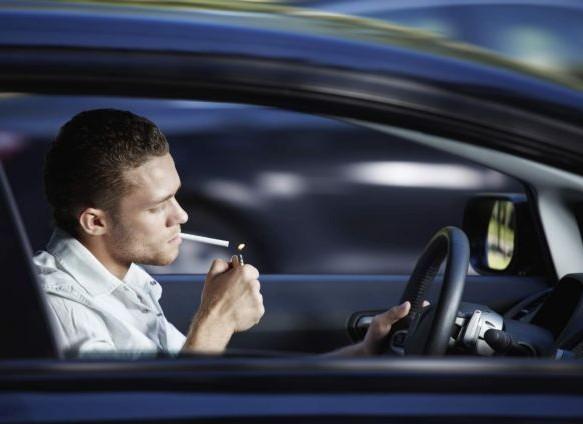 Βρετανία: Τέλος το τσιγάρο στο αυτοκίνητο μαζί με ανηλίκους   tanea.gr