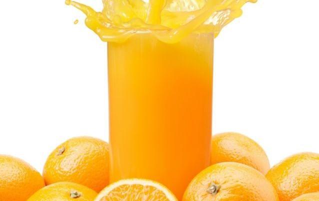 Μας ξυπνάει ένα ποτήρι χυμός πορτοκάλι το πρωί | tanea.gr