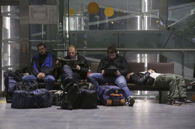 Εγκλωβισμένοι στην Αίγυπτο παραμένουν 80.000 ρώσοι τουρίστες   tanea.gr