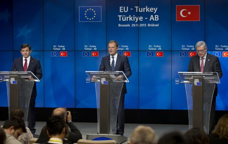 ΕΕ προς Τουρκία: Τρία δισ. ευρώ για το προσφυγικό, ξεπάγωμα ενταξιακής πορείας | tanea.gr