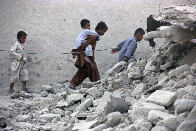 Δεκάδες τραυματίες από τον σεισμό που συγκλόνισε το Αφγανιστάν και το Πακιστάν   tanea.gr