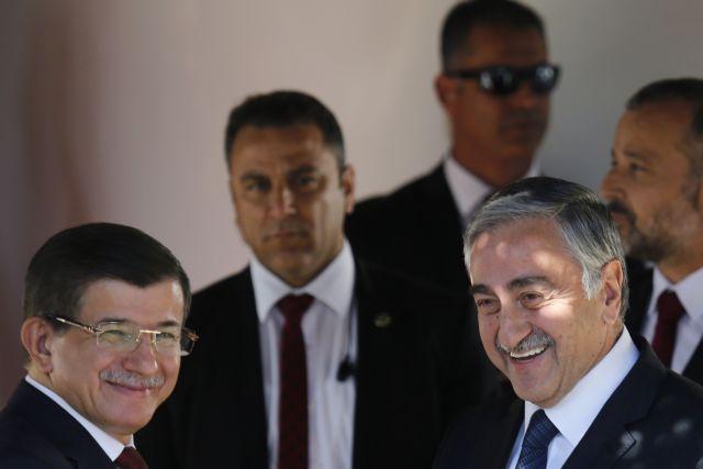 Ο Νταβούτογλου ζήτησε να δοθούν χαρτιά της κατεχόμενης Κύπρου σε 26.500 εποίκους | tanea.gr