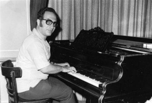 Πέθανε ο συνθέτης και μαέστρος Ζακ Ιακωβίδης   tanea.gr