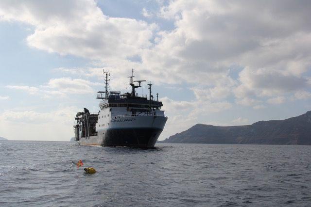 Σαντορίνη: Μελετώντας την «καρδιά» του πιο αινιγματικού ηφαιστείου στον κόσμο   tanea.gr