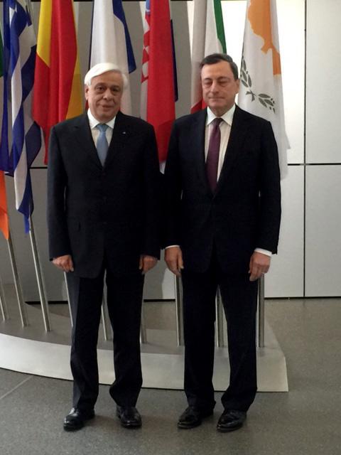 Για το χρέος και την αποδοχή των ομολόγων από την ΕΚΤ συζήτησαν Παυλόπουλος-Ντράγκι | tanea.gr