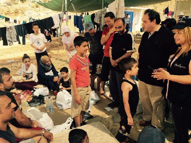 10.000 μερίδες φαγητού, σε δυο μέρες, από την «Αποστολή» για έκτακτες ανάγκες σίτισης των προσφύγων | tanea.gr