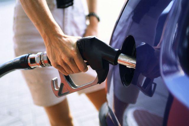Ανοδικά κινήθηκαν οι πωλήσεις βενζινών των ΕΛΠΕ το Φεβρουάριο | tanea.gr